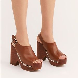 Free People Jeffrey Campbell Walk The Line Clog
